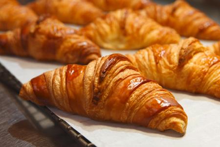 1_croissant_450x300