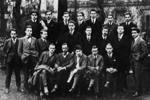 UNSPECIFIED - SEPTEMBER 21:  first year preparatory class in humanities for entrance to Ecole normale superieure in 1922 in Louis-Le-Grand in Paris : on the 1st row seated : Paul Nizan (2nd from l), Jean-Paul Sartre (4th from l)  (Photo by Apic/Getty Images)